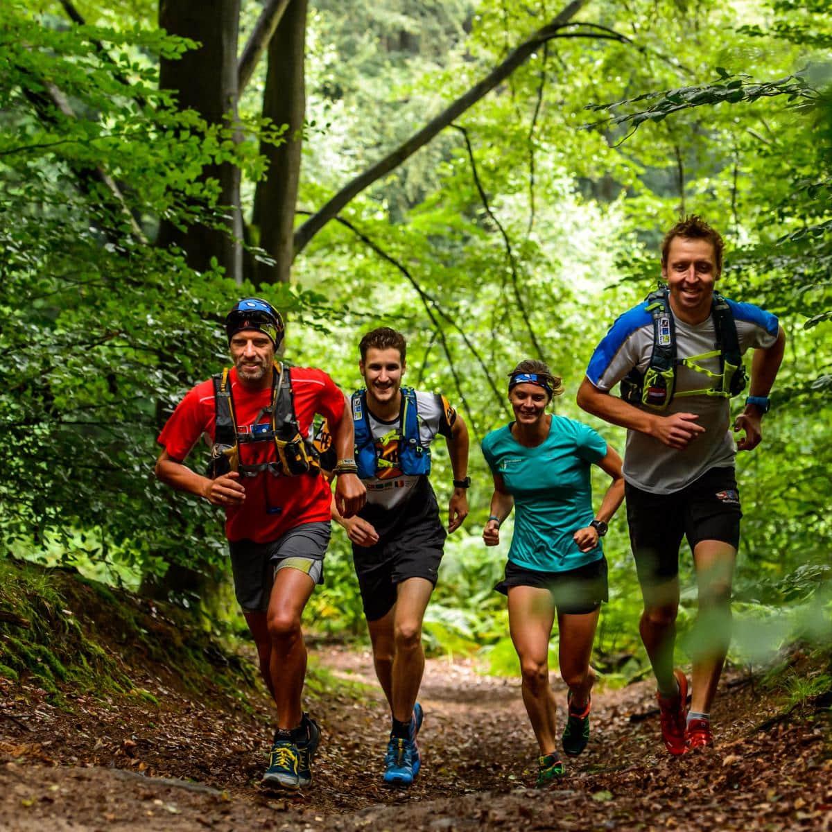 a1989b32b75 Anders dan bij hardlopen op de weg staat de natuurbeleving voorop. Sterker  nog bij de Grand Trail de Bouillon, één van de eerste en mooiste trailruns  van ...
